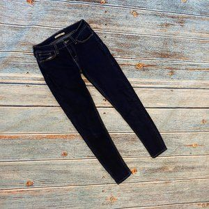 Levi's Women's Dark Wash 535 Super Skinny Jeans 28
